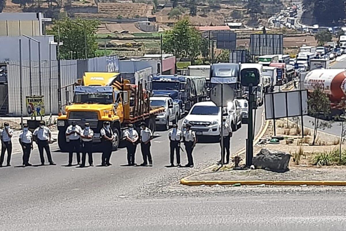Liberan paso en el monumento al Emigrante, pero bloqueos podrán continuar mañana