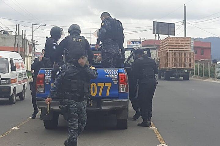 Cuatro capturados tras altercado entre policías y conductores