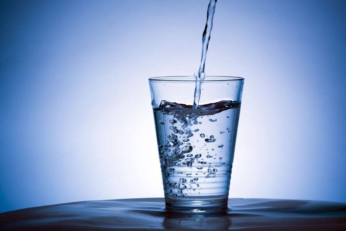 Invitan a donar agua pura para pacientes con Covid-19