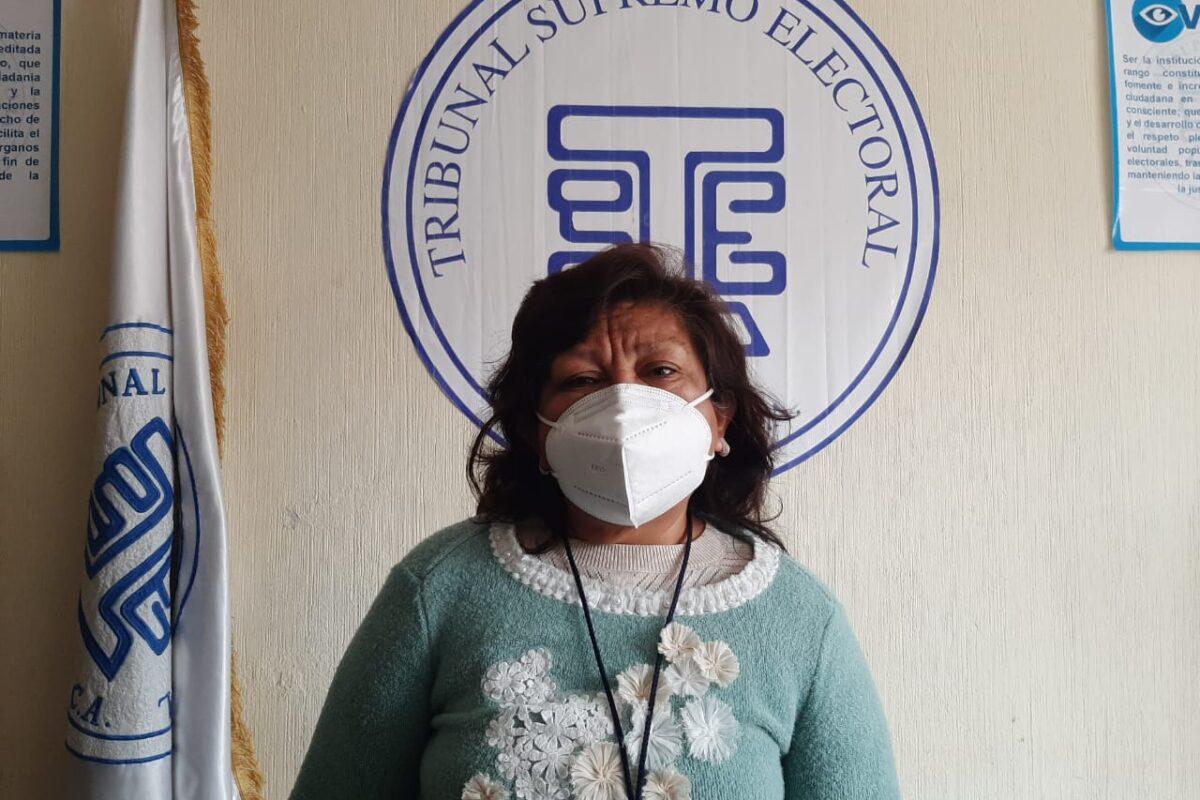Se jubila delegada del TSE en Xela tras servir en nueve procesos electorales