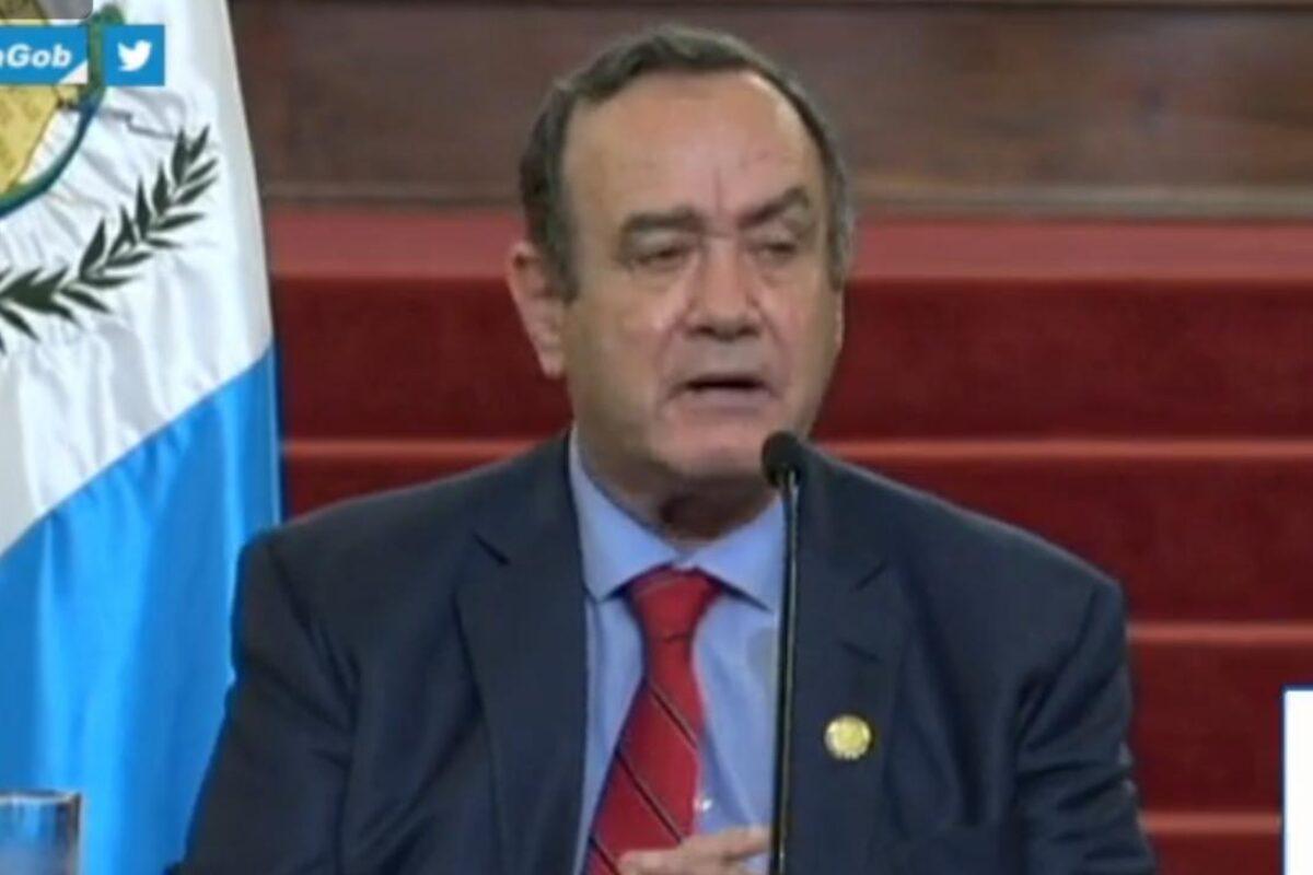 Presidente Giammattei evade preguntas sensibles y se enfoca en el Plan de Vacunación