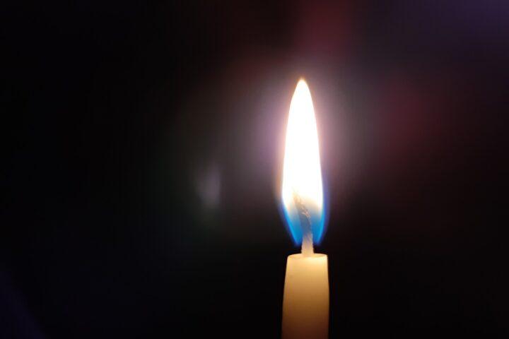 Prepara las candelas: EEMQ anuncia nuevo corte del servicio