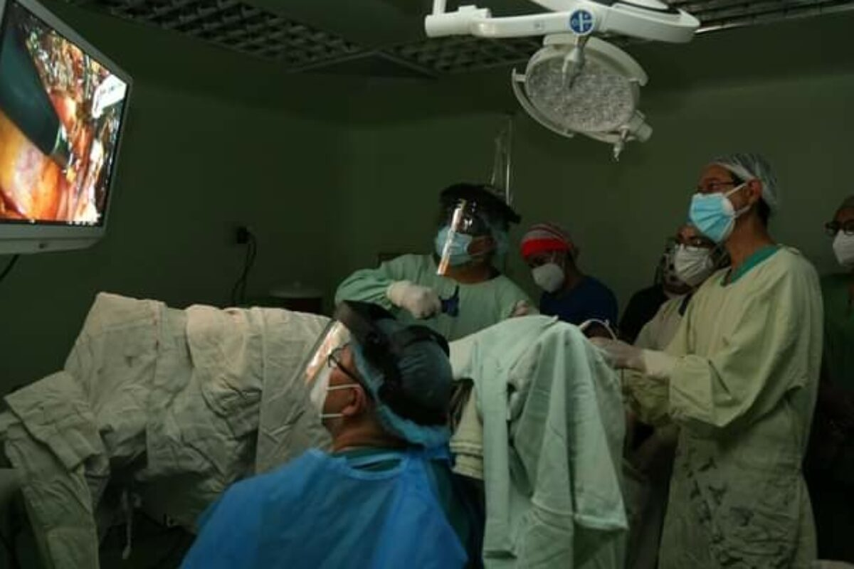 Realizan la primer video cirugía en el HRO