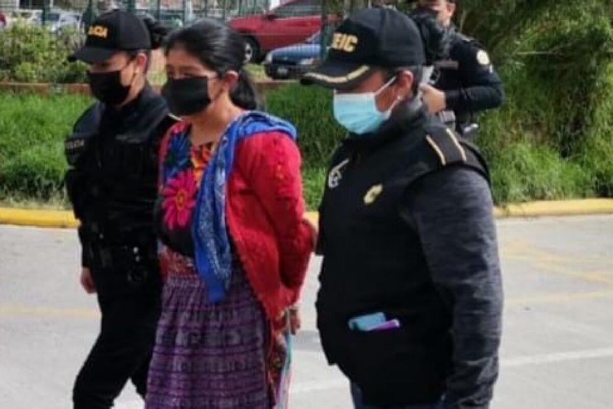 PNC: Mujer confiesa asesinato de un anciano y su nieta