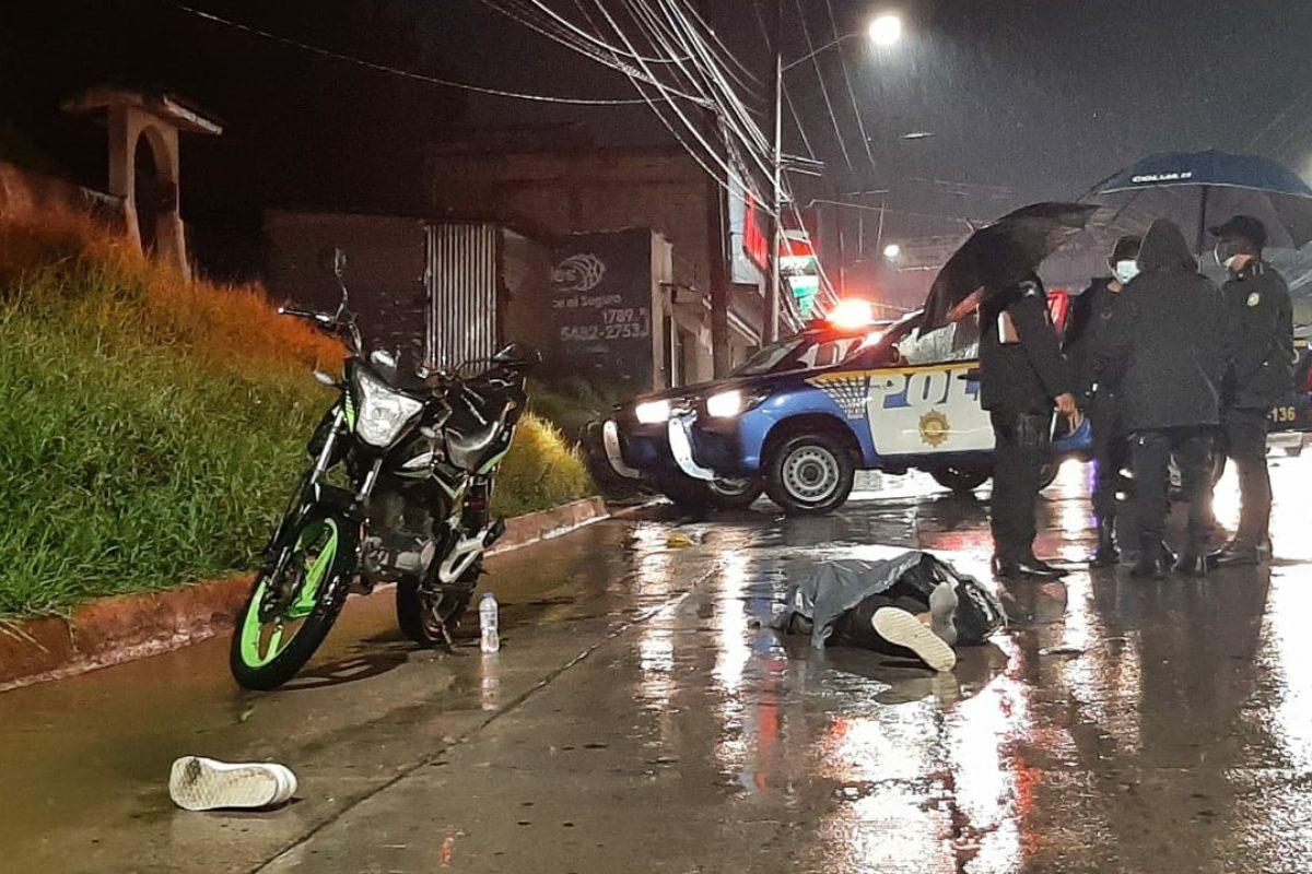 Fallece mujer tras ser atropellada por un microbús que se da a la fuga