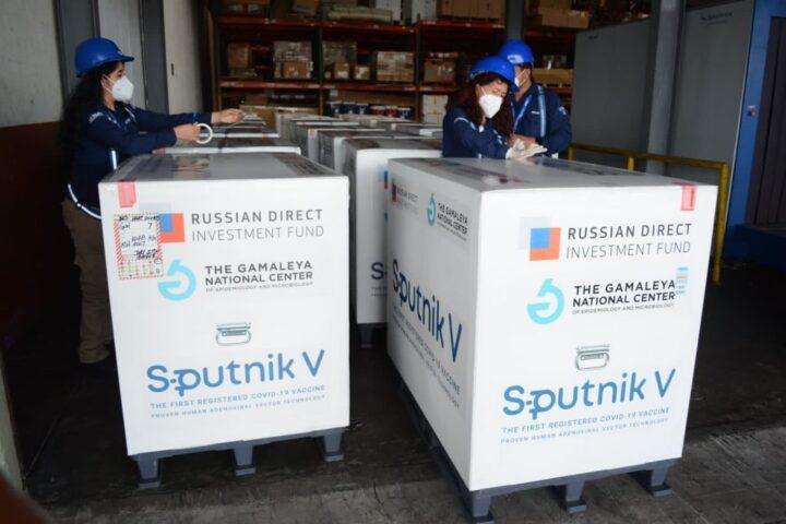 Según ministro, Guatemala si debe adquirir los 16 millones de dosis de Sputnik V